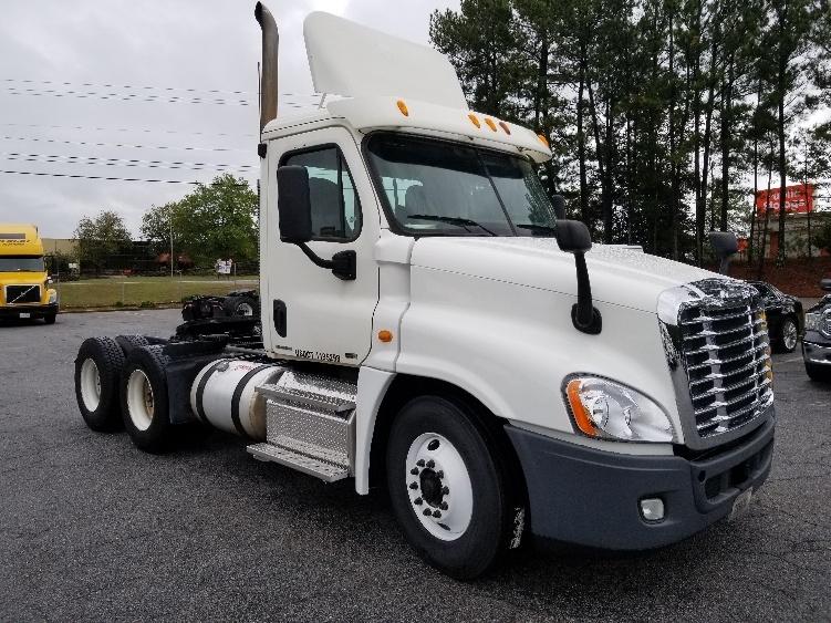 Day Cab Tractor-Heavy Duty Tractors-Freightliner-2011-Cascadia 12564ST-JONESBORO-GA-269,000 miles-$39,500