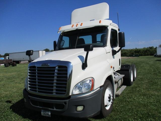 TADC-Heavy Duty Tractors-Freightliner-2011-X12564ST-OMAHA-NE-169,526 miles-$41,000