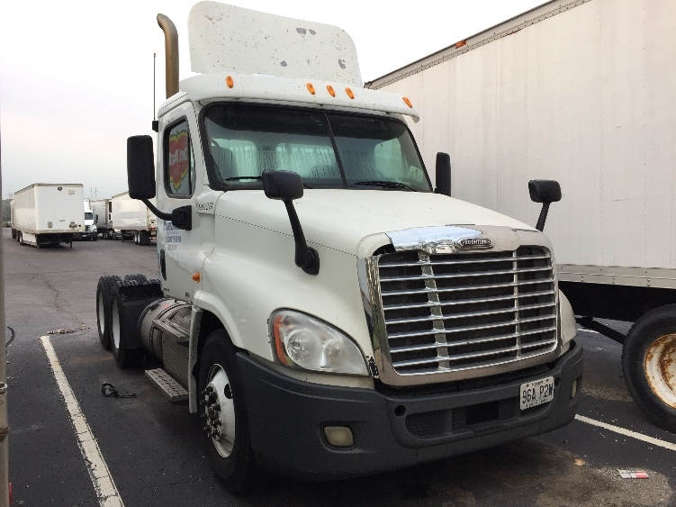Day Cab Tractor-Heavy Duty Tractors-Freightliner-2011-Cascadia 12564ST-KANSAS CITY-MO-531,429 miles-$10,000