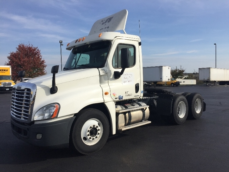 Day Cab Tractor-Heavy Duty Tractors-Freightliner-2011-Cascadia 12564ST-SPRINGFIELD-MO-735,045 miles-$26,000