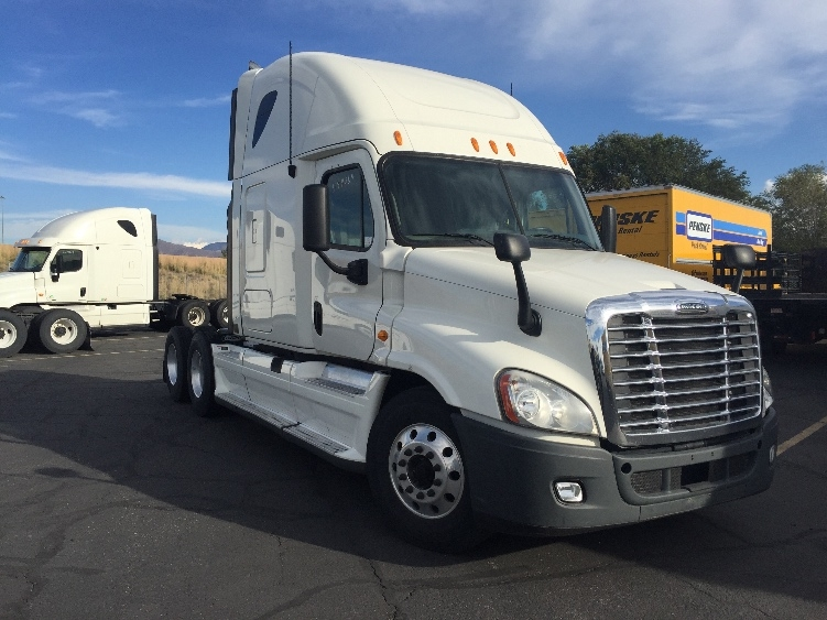 Sleeper Tractor-Heavy Duty Tractors-Freightliner-2011-Cascadia 12564ST-TACOMA-WA-553,748 miles-$31,750