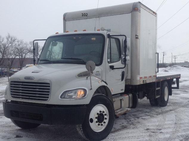 Flatbed Truck-Light and Medium Duty Trucks-Freightliner-2011-M2-BOUCHERVILLE-PQ-408,266 km-$28,500