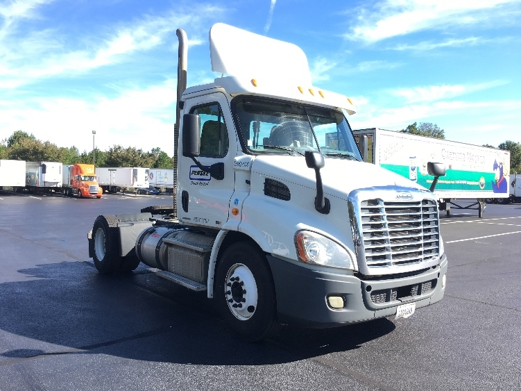 Day Cab Tractor-Heavy Duty Tractors-Freightliner-2011-Cascadia 11342ST-WINSTON SALEM-NC-480,767 miles-$37,000