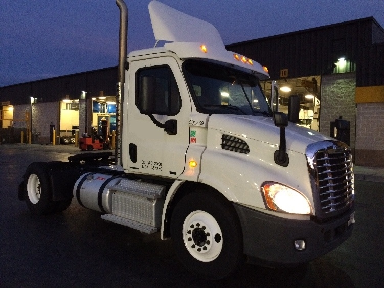 Day Cab Tractor-Heavy Duty Tractors-Freightliner-2011-Cascadia 11342ST-JESSUP-MD-377,298 miles-$37,250
