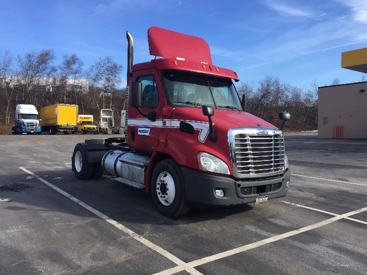 Day Cab Tractor-Heavy Duty Tractors-Freightliner-2011-Cascadia 11342ST-HAZLETON-PA-316,130 miles-$45,750