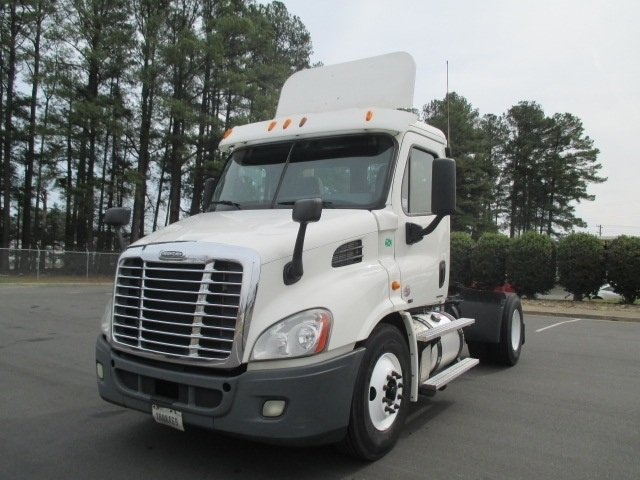 Day Cab Tractor-Heavy Duty Tractors-Freightliner-2011-Cascadia 11342ST-SPARTANBURG-SC-461,683 miles-$40,000