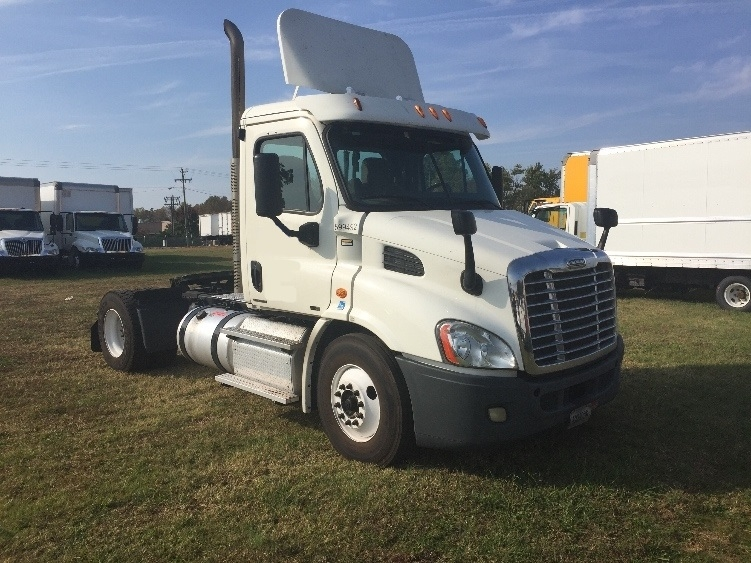 Day Cab Tractor-Heavy Duty Tractors-Freightliner-2011-Cascadia 11342ST-MEBANE-NC-499,541 miles-$38,000