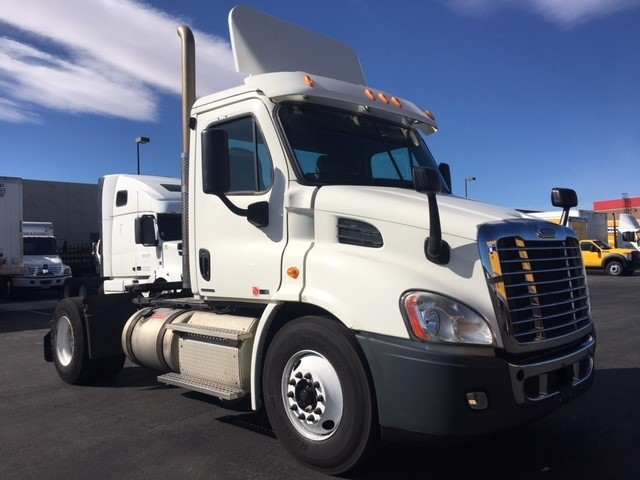 Day Cab Tractor-Heavy Duty Tractors-Freightliner-2011-Cascadia 11342ST-LAS VEGAS-NV-500,546 miles-$28,000