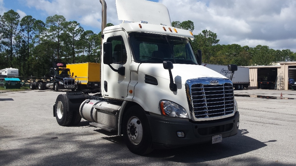 Day Cab Tractor-Heavy Duty Tractors-Freightliner-2011-Cascadia 11342ST-DAYTONA BEACH-FL-434,570 miles-$39,250