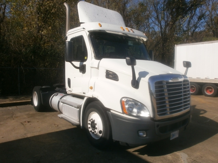 Day Cab Tractor-Heavy Duty Tractors-Freightliner-2011-Cascadia 11342ST-MEMPHIS-TN-534,457 miles-$27,750