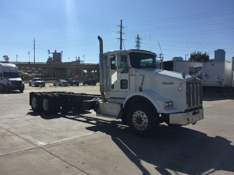 Flatbed Truck-Light and Medium Duty Trucks-Kenworth-2011-T800-FORT WORTH-TX-336,876 miles-$58,750