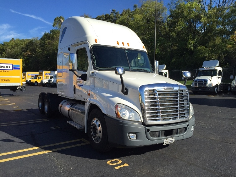 Sleeper Tractor-Heavy Duty Tractors-Freightliner-2011-Cascadia 12564ST-KNOXVILLE-TN-632,771 miles-$33,500