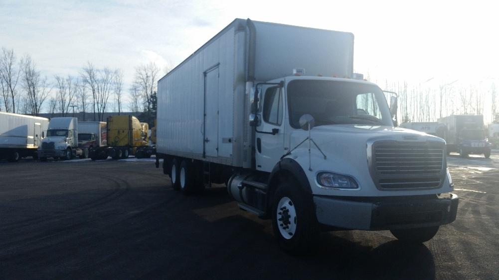 Medium Duty Box Truck-Light and Medium Duty Trucks-Freightliner-2011-M211264S-STE-FOY-PQ-844,804 km-$38,500