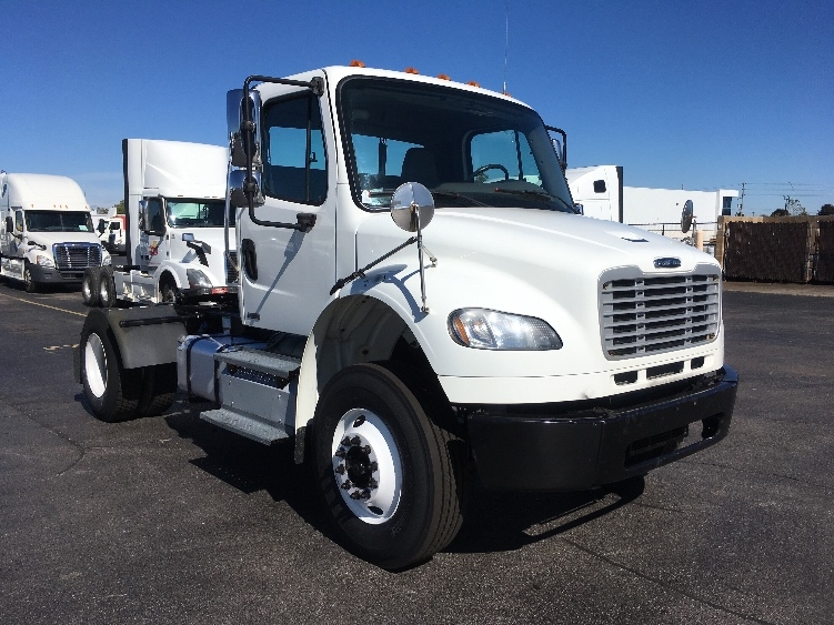 Day Cab Tractor-Heavy Duty Tractors-Freightliner-2011-M2-CAMBRIDGE-ON-304,576 km-$29,250