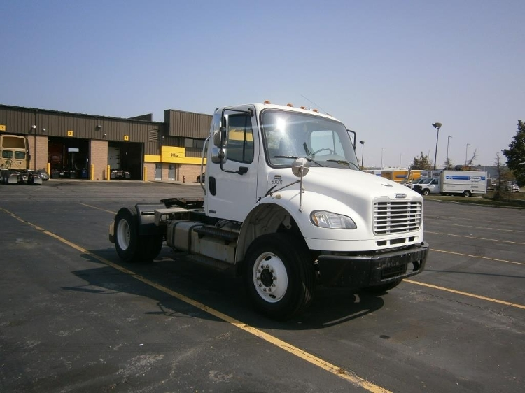 Day Cab Tractor-Heavy Duty Tractors-Freightliner-2011-M2-MISSISSAUGA-ON-238,860 km-$31,500