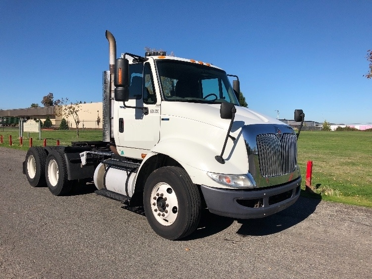 Day Cab Tractor-Heavy Duty Tractors-International-2011-8600-PORTLAND-OR-390,885 miles-$20,250
