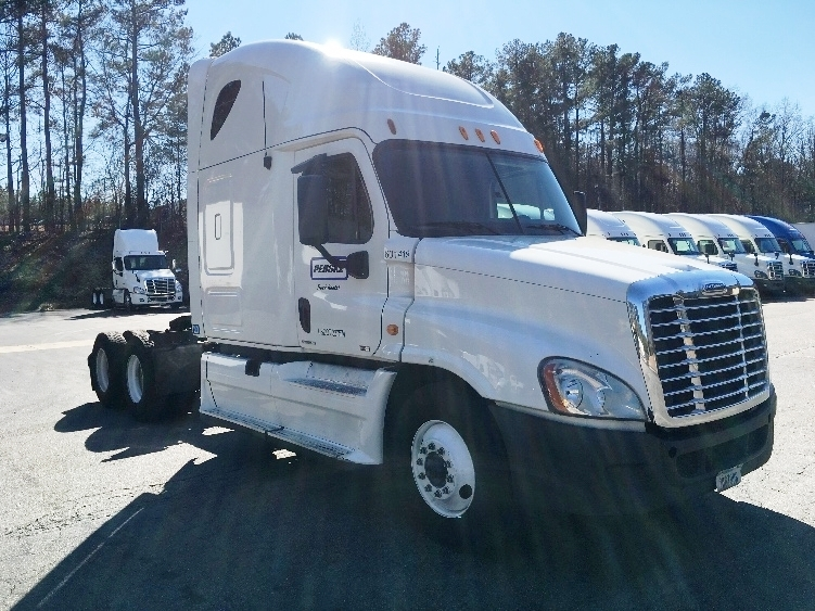 Sleeper Tractor-Heavy Duty Tractors-Freightliner-2011-Cascadia 12564ST-GAINESVILLE-GA-533,611 miles-$33,250