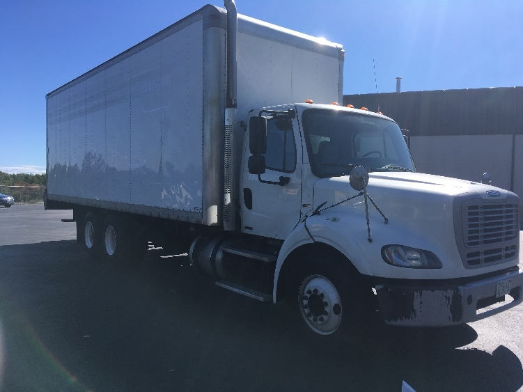 Medium Duty Box Truck-Heavy Duty Tractors-Freightliner-2011-M211264S-LONDONDERRY-NH-573,780 miles-$25,000