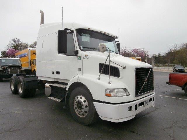 Sleeper Tractor-Heavy Duty Tractors-Volvo-2011-VNM64630-WINSTON SALEM-NC-347,264 miles-$33,000