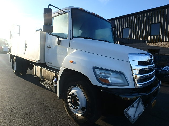 Medium Duty Box Truck-Light and Medium Duty Trucks-Hino-2011-268-WATERBURY-CT-194,224 miles-$21,500