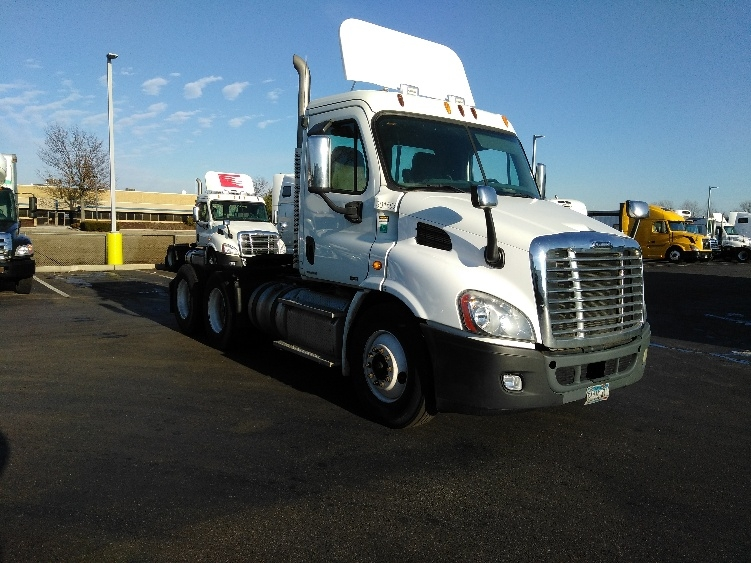 Day Cab Tractor-Heavy Duty Tractors-Freightliner-2011-Cascadia 11364ST-SWEDESBORO-NJ-350,585 miles-$31,250