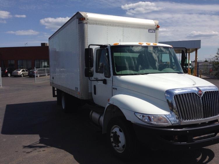 Medium Duty Box Truck-Light and Medium Duty Trucks-International-2011-4300LP-ETOBICOKE-ON-260,021 km-$21,250