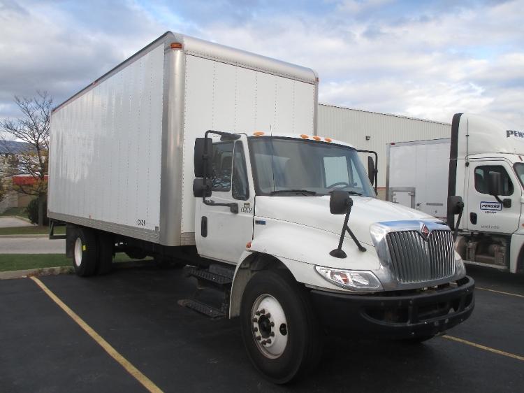 Medium Duty Box Truck-Light and Medium Duty Trucks-International-2011-4300M7-BURLINGTON-ON-138,792 km-$34,750