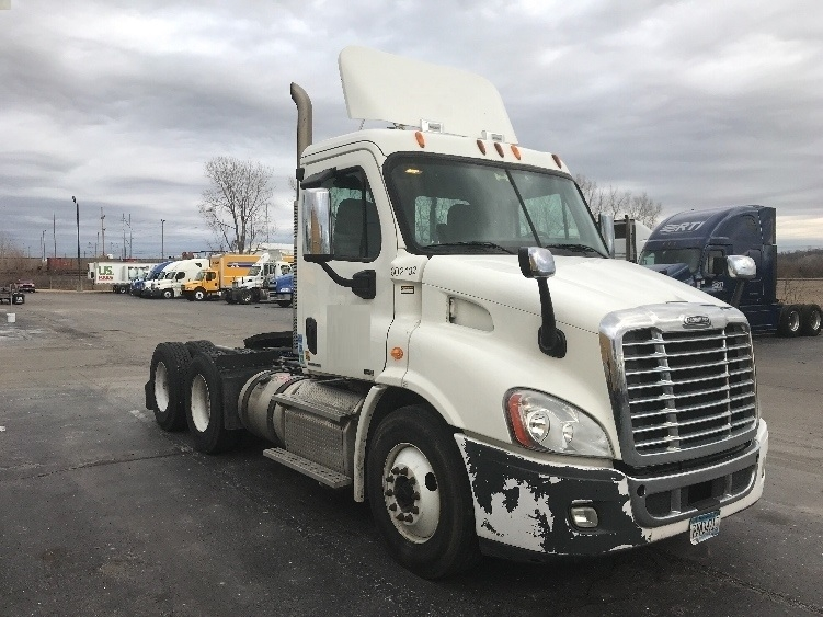 Day Cab Tractor-Heavy Duty Tractors-Freightliner-2011-Cascadia 11364ST-KANSAS CITY-MO-576,456 miles-$32,000
