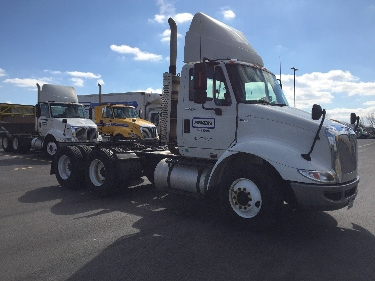 Day Cab Tractor-Heavy Duty Tractors-International-2011-8600-MONTGOMERY-IL-357,161 miles-$18,250