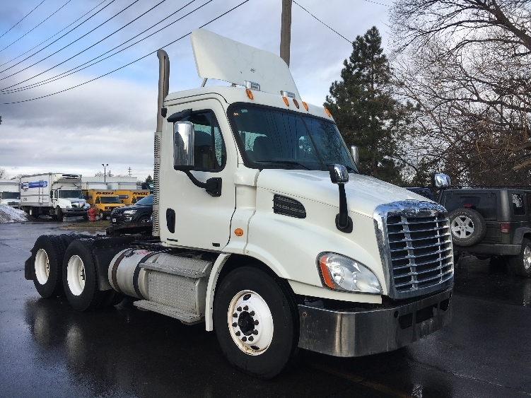 Day Cab Tractor-Heavy Duty Tractors-Freightliner-2011-Cascadia 11364ST-PLYMOUTH-MI-326,797 miles-$32,000