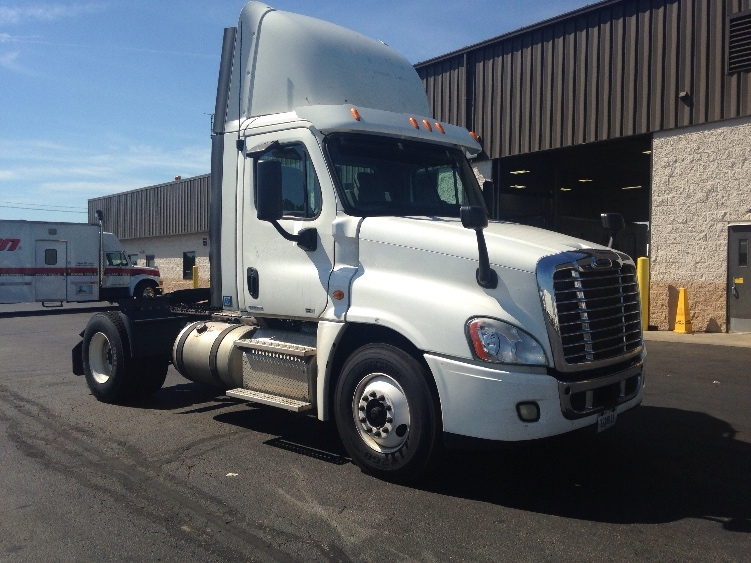 Day Cab Tractor-Heavy Duty Tractors-Freightliner-2011-Cascadia 12542ST-ERLANGER-KY-343,140 miles-$46,250