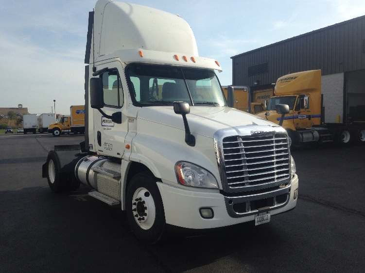 Day Cab Tractor-Heavy Duty Tractors-Freightliner-2011-Cascadia 12542ST-ERLANGER-KY-341,129 miles-$46,500