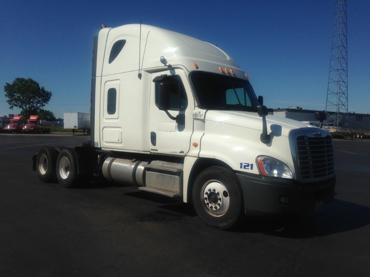 Sleeper Tractor-Heavy Duty Tractors-Freightliner-2011-Cascadia 12564ST-MISSISSAUGA-ON-1,056,787 km-$39,250