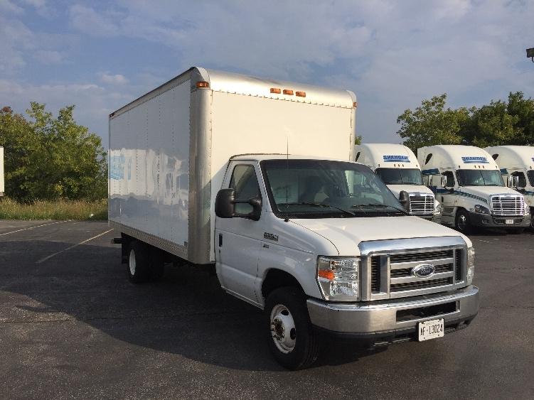 Light Duty Box Truck-Light and Medium Duty Trucks-Ford-2011-E450-OSHAWA-ON-120,780 km-$22,750