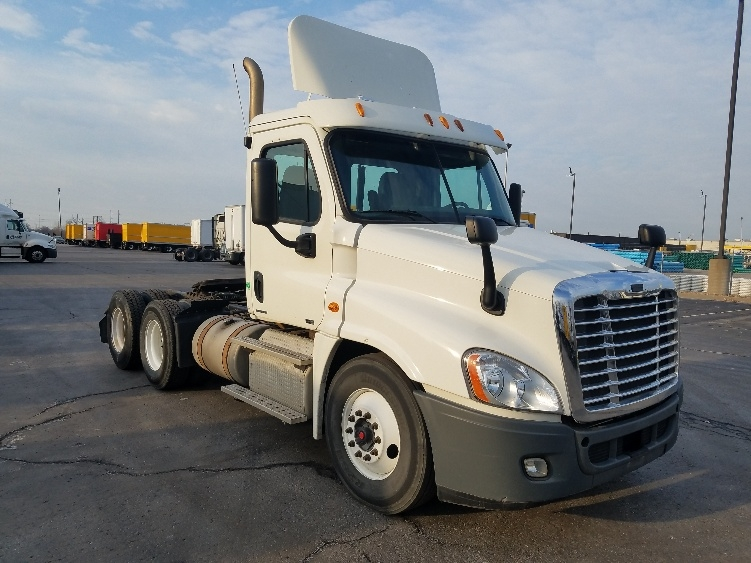 Day Cab Tractor-Heavy Duty Tractors-Freightliner-2011-Cascadia 12564ST-KANSAS CITY-MO-273,682 miles-$36,250