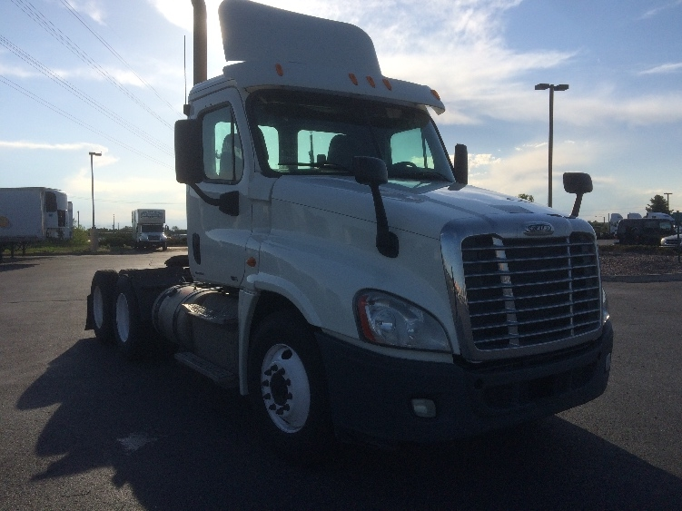 Day Cab Tractor-Heavy Duty Tractors-Freightliner-2011-Cascadia 12564ST-AURORA-CO-369,851 miles-$32,250