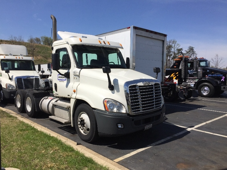 Day Cab Tractor-Heavy Duty Tractors-Freightliner-2011-Cascadia 12564ST-BALTIMORE-MD-345,602 miles-$30,500