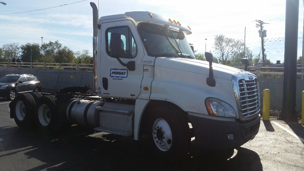 Day Cab Tractor-Heavy Duty Tractors-Freightliner-2011-Cascadia 12564ST-BELCAMP-MD-361,418 miles-$38,250