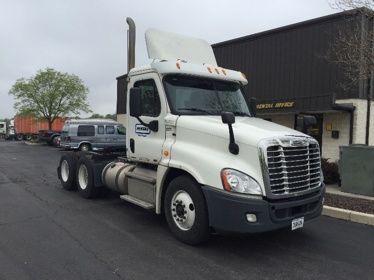 Day Cab Tractor-Heavy Duty Tractors-Freightliner-2011-Cascadia 12564ST-CARLISLE-PA-189,698 miles-$46,250