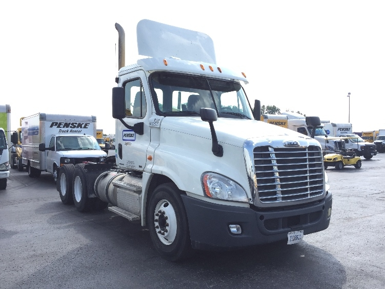 Day Cab Tractor-Heavy Duty Tractors-Freightliner-2011-Cascadia 12564ST-KANSAS CITY-MO-298,435 miles-$31,000