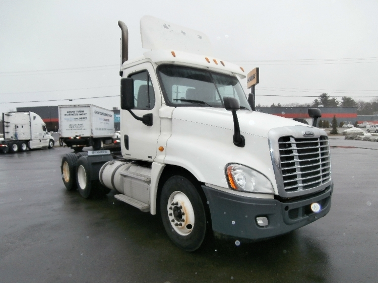Day Cab Tractor-Heavy Duty Tractors-Freightliner-2011-Cascadia 12564ST-SCARBOROUGH-ME-492,993 miles-$28,000