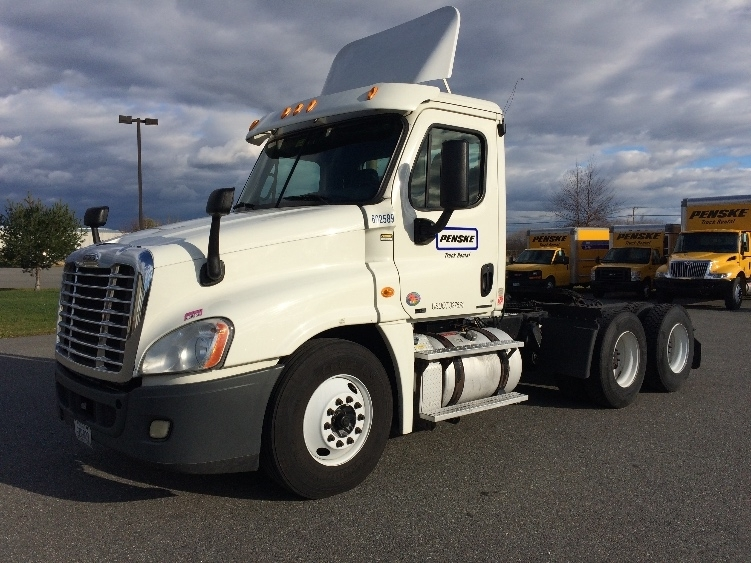 Day Cab Tractor-Heavy Duty Tractors-Freightliner-2011-Cascadia 12564ST-SCARBOROUGH-ME-508,089 miles-$40,250