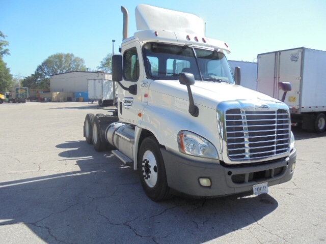 Day Cab Tractor-Heavy Duty Tractors-Freightliner-2011-Cascadia 12564ST-SANFORD-NC-287,731 miles-$38,250