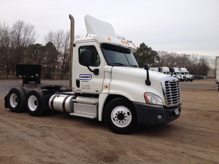 Day Cab Tractor-Heavy Duty Tractors-Freightliner-2011-Cascadia 12564ST-RICHLAND-MS-364,592 miles-$33,250
