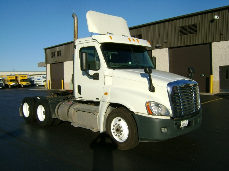 Day Cab Tractor-Heavy Duty Tractors-Freightliner-2011-Cascadia 12564ST-DE PERE-WI-299,519 miles-$46,250