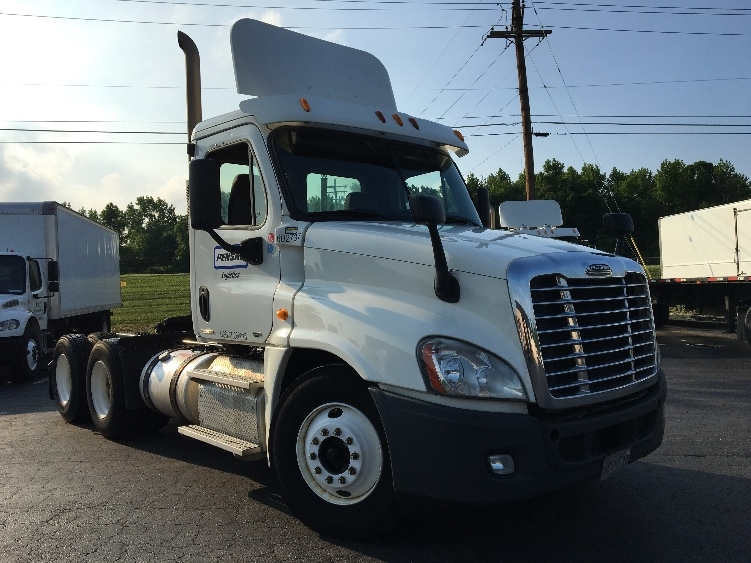 Day Cab Tractor-Heavy Duty Tractors-Freightliner-2011-Cascadia 12564ST-ESSEX-MD-662,366 miles-$28,750