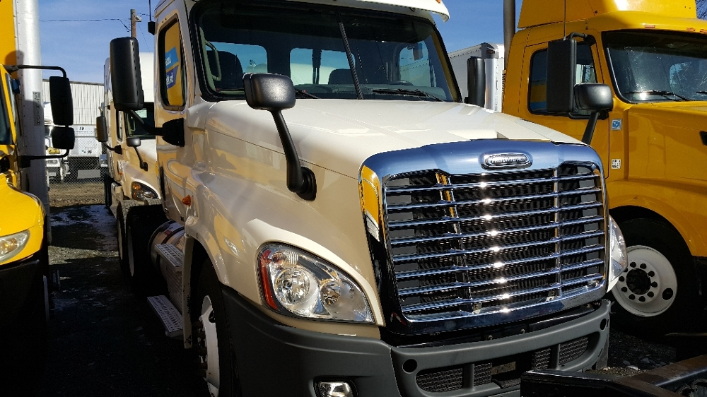 Day Cab Tractor-Heavy Duty Tractors-Freightliner-2011-Cascadia 12564ST-INDIAN TRAIL-NC-359,004 miles-$25,250