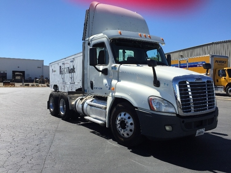 Day Cab Tractor-Heavy Duty Tractors-Freightliner-2011-Cascadia 12564ST-SPARKS-NV-529,306 miles-$35,250