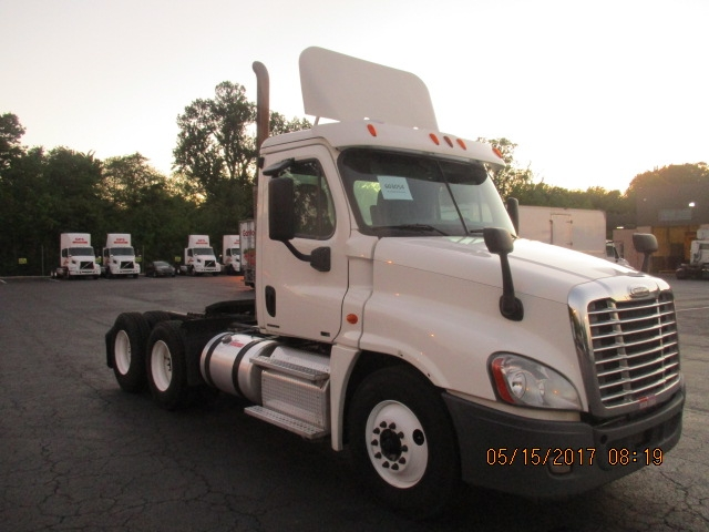 Day Cab Tractor-Heavy Duty Tractors-Freightliner-2011-Cascadia 12564ST-BELCAMP-MD-542,444 miles-$28,500