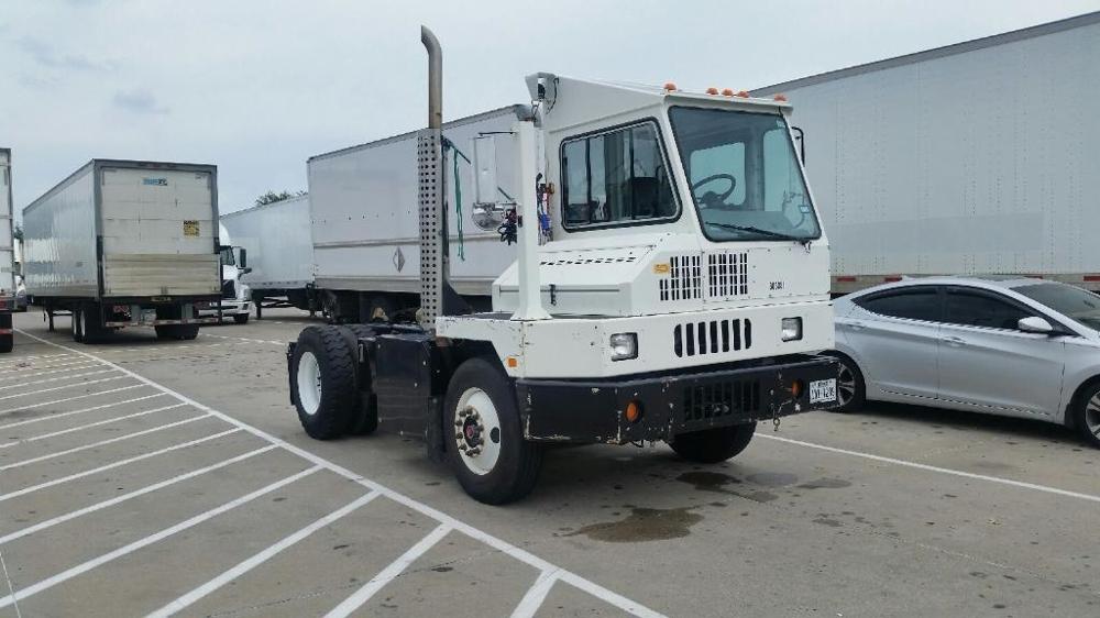 Yard Truck-Heavy Duty Tractors-Ottawa-2010-YT30-FARGO-ND-97,620 miles-$42,000